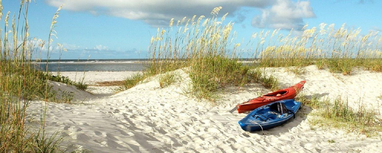 kayak-on-beach